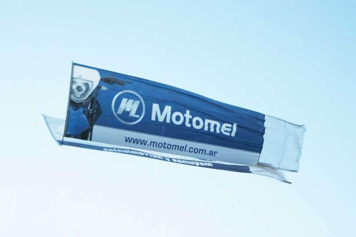 banner V Motomel